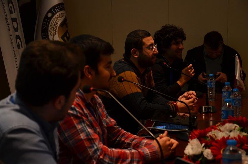 GDG Devfest Kütahya etkinliği panel sohbeti