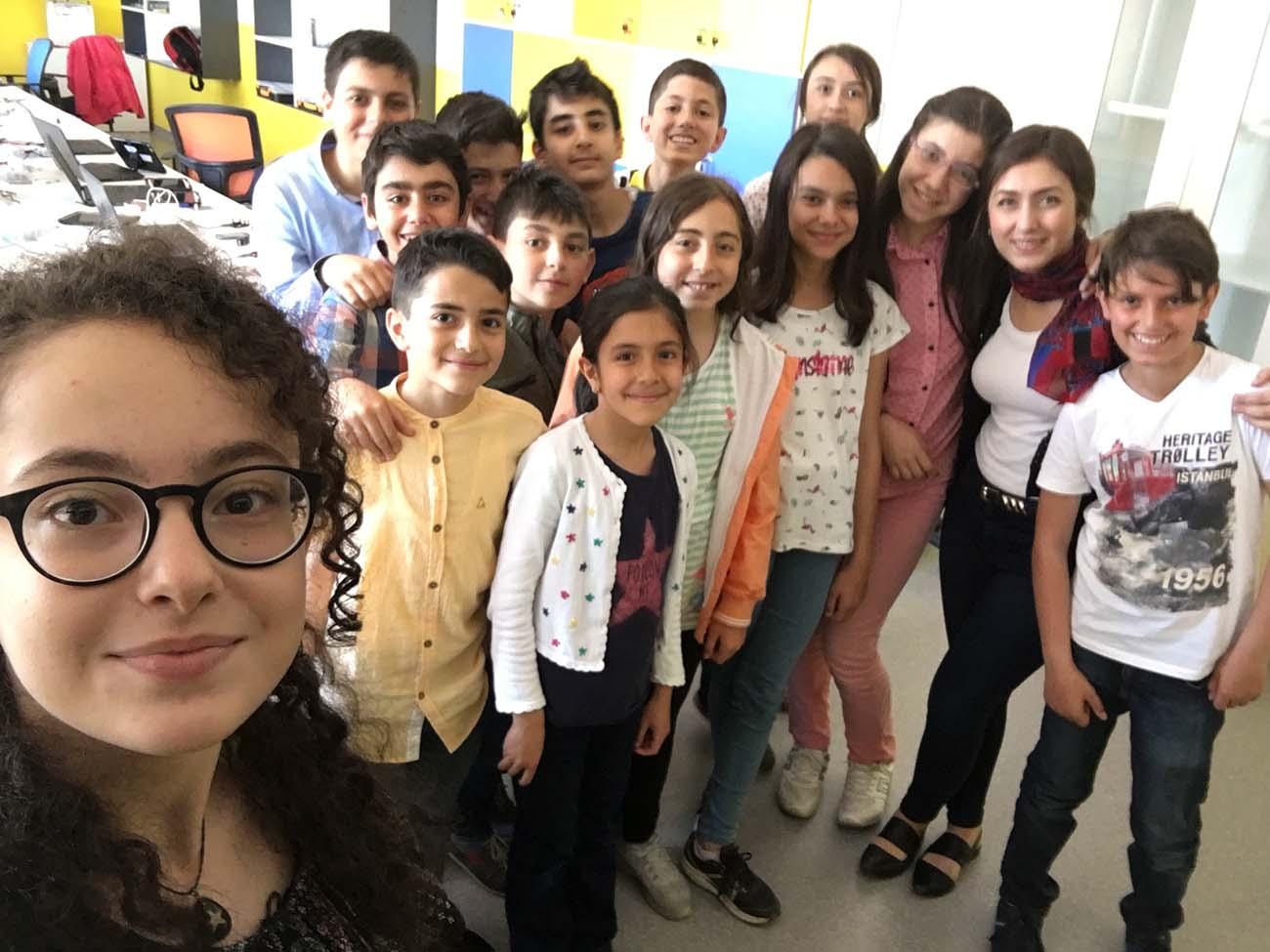 Bahar döneminde hızla devam eden Turkcell Zeka Gücü eğitimlerimizin dönem sonundaki durağı, Erzurum BİLSEM oldu.