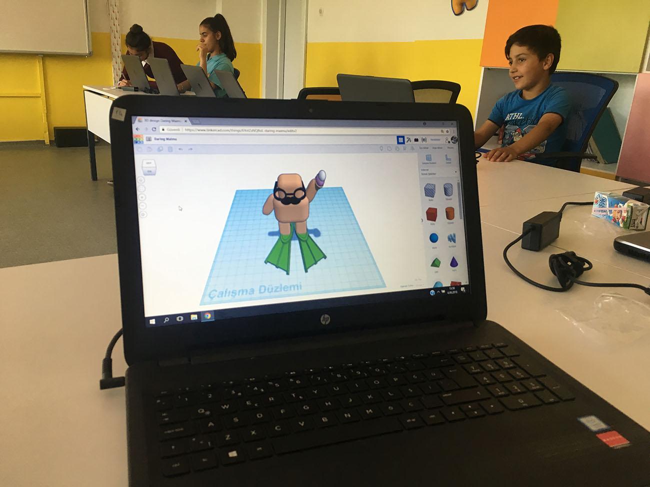 Elazığ'daki okulumuzda Tinkercad ile çalışıyoruz